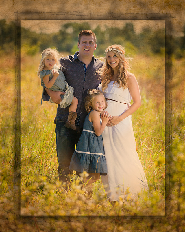 Family portrait at Sertoma Park with artistic edges